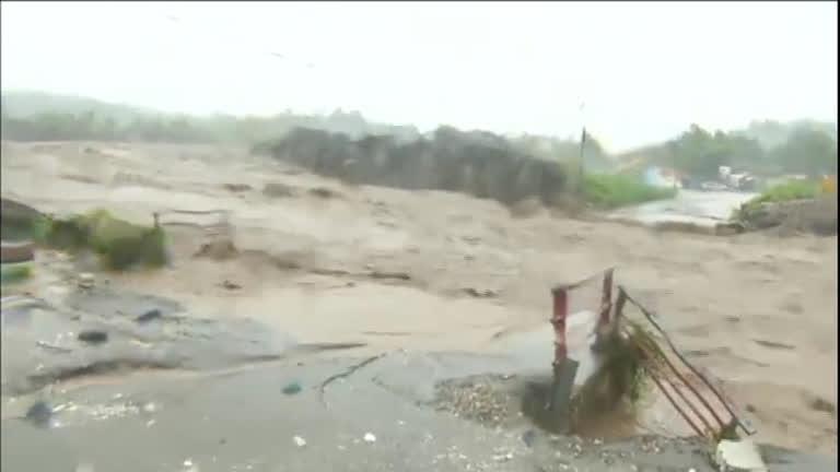 Furacão deixa rastro de destruição no Haiti - Notícias - R7 Jornal da ...