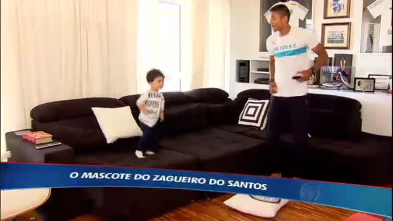 Conheça o mascote do xerife do Santos, David Braz - Esportes - R7 ...