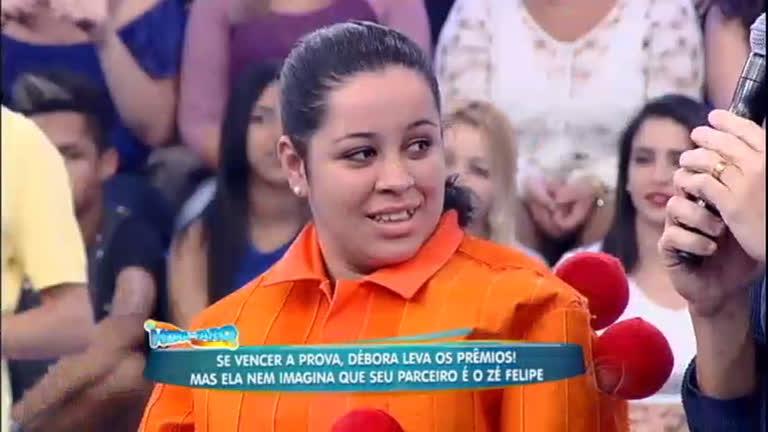 Débora encara prova para conquistar prêmios no palco do programa