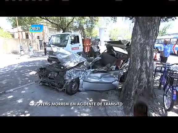 Acidente de trânsito mata cinco jovens em Deodoro; carro entrou na ...