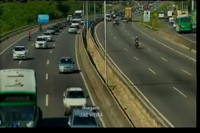 Farol aceso em rodovias volta a valer em todo o Brasil
