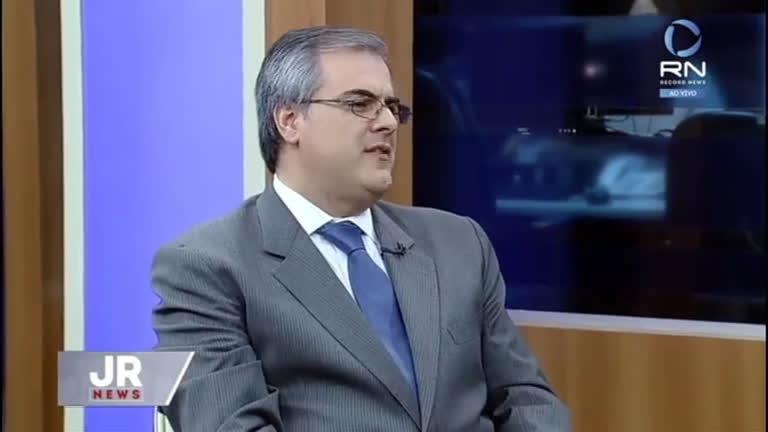 Alberto Rollo acredita que não é possível discutir parlamentarismo no momento