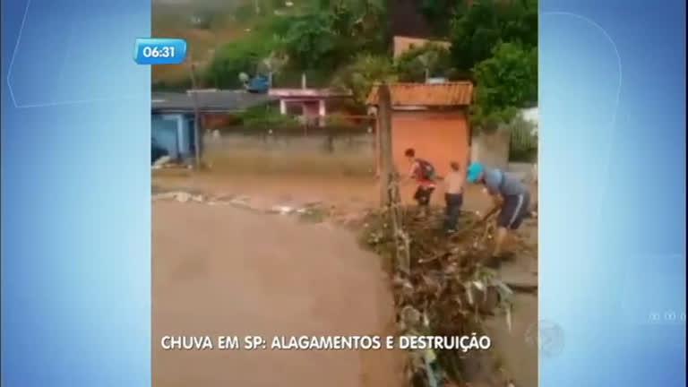 Chuva derruba ponte e deixa famílias ilhadas em Francisco Morato ...