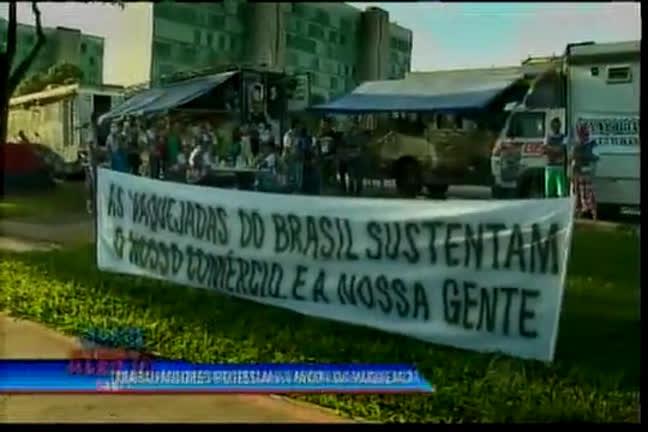 Trabalhadores protestam a favor da vaquejada