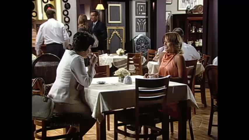 Doroteia e Valquíria tramam plano para casamento de Alexandra