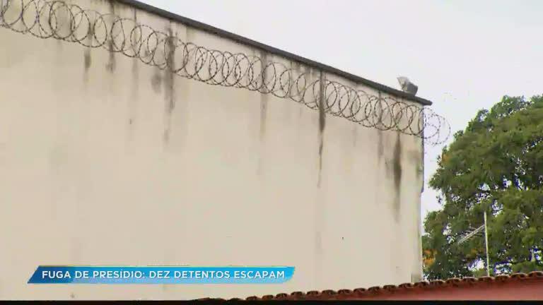 Dez detentos cerram grades e fogem de presídio de Ibirité (MG)