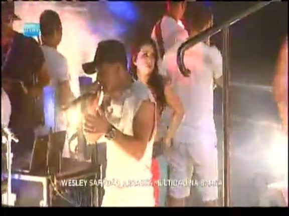 Wesley Safadão arrasta multidão na Barra