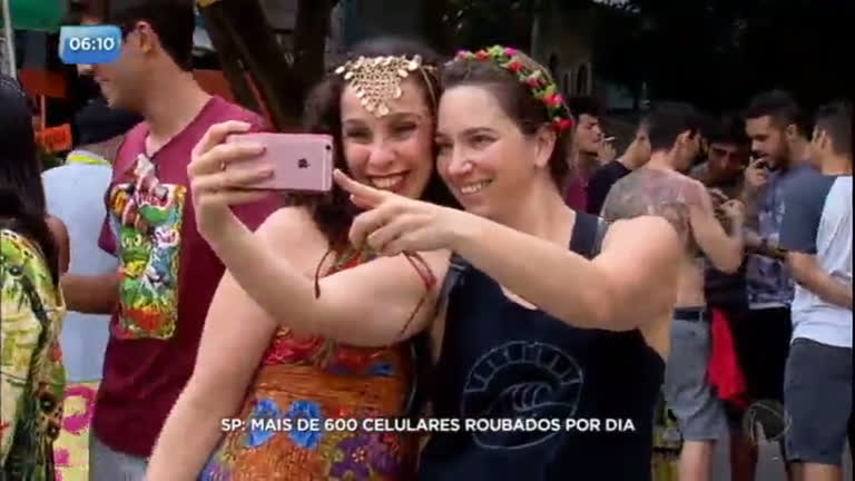 Carnaval paulista tem média de 600 celulares roubados por dia