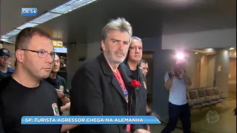 Turista que agrediu mulheres no aeroporto de Guarulhos volta à…