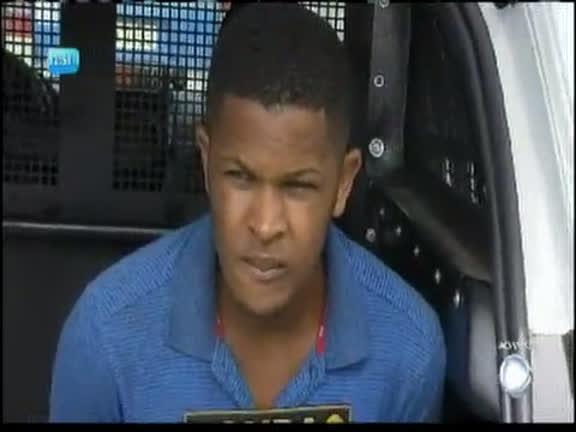 Homem é preso após roubar duas mulheres