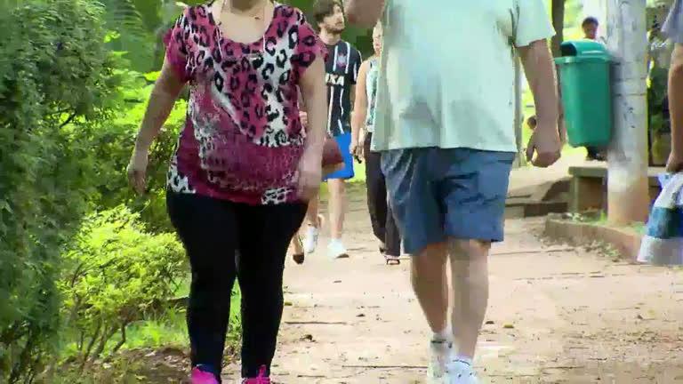 Brasileiros levam vida saudável para lutar contra obesidade