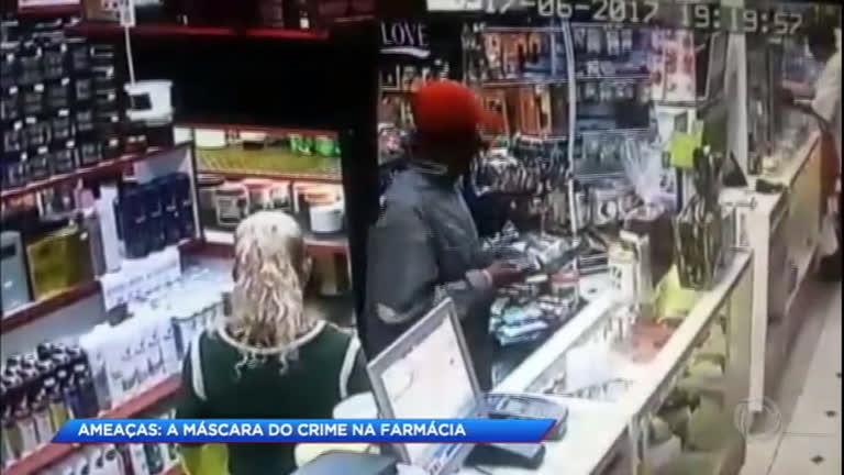 Polícia tenta identificar casal que roubou farmácia sete vezes