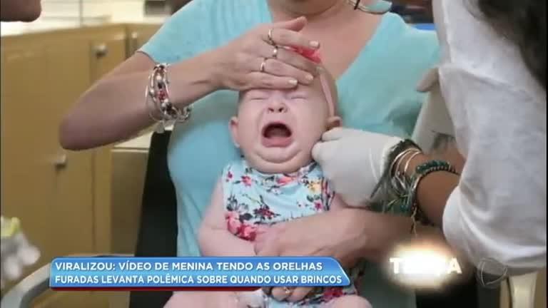 e1b6393c883 Vídeo em que bebê chora ao ter orelhas furadas levanta polêmica sobre  brincos - RecordTV - R7 Balanço Geral