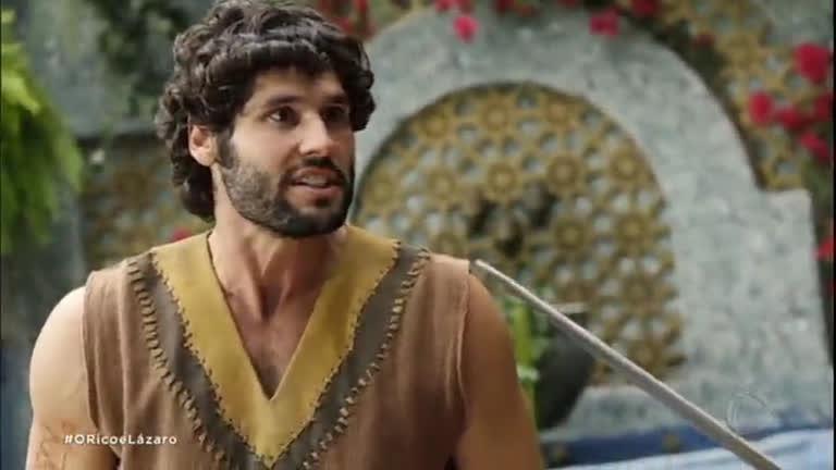 Nebuzaradã desafia Asher para uma luta na sala do trono