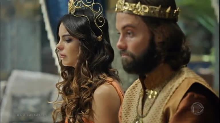 Abalada com a morte de Kassaia, Nitócris pede perdão por suas maldades a Evil-Merodaque