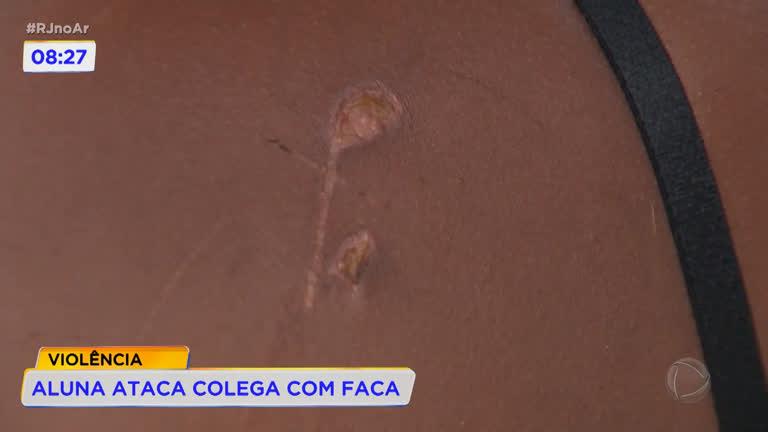 Jovem ataca colega de escola com faca em Duque de Caxias (RJ) - R7