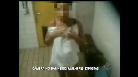 Camera escondida em banheiro publico