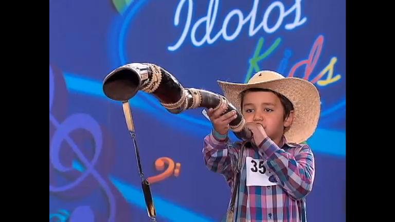Criançada solta à voz e dá um show de talento no Ídolo Kids
