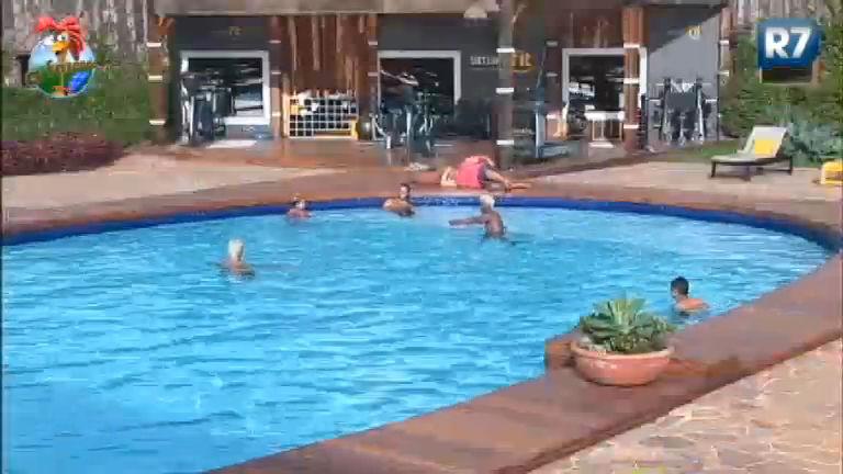 gritaria tarde animada na piscina da fazenda recordtv