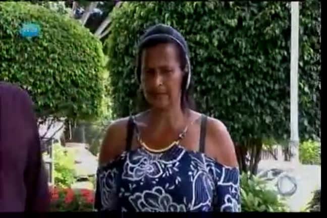 Mulher procura filha desaparecida