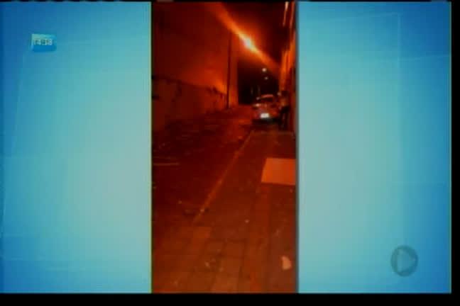 Bandidos explodem caixas em São Félix