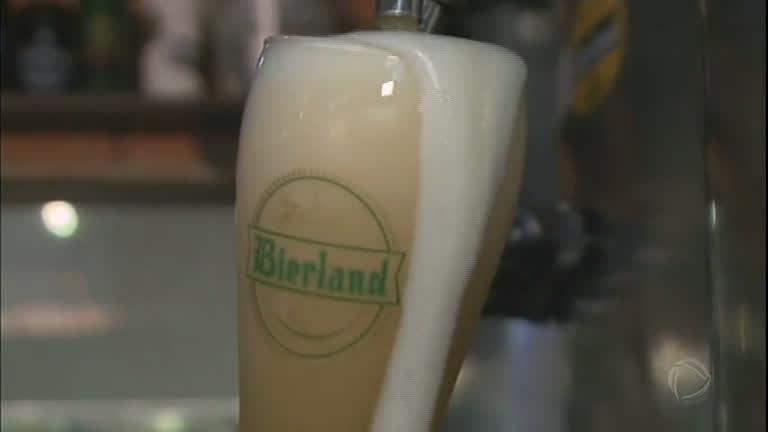Rota da cerveja atrai os turistas para a região de Blumenal (SC)