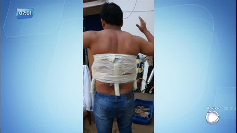 Bandidos sequestram e amarram bomba falsa em gerente de banco