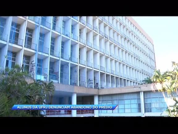 Alunos e professores da UFRJ denunciam abandono de prédio