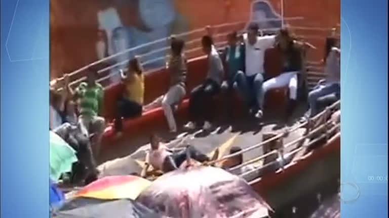 Estudante é arremessado de brinquedo de parque de diversões em Itabira (MG)