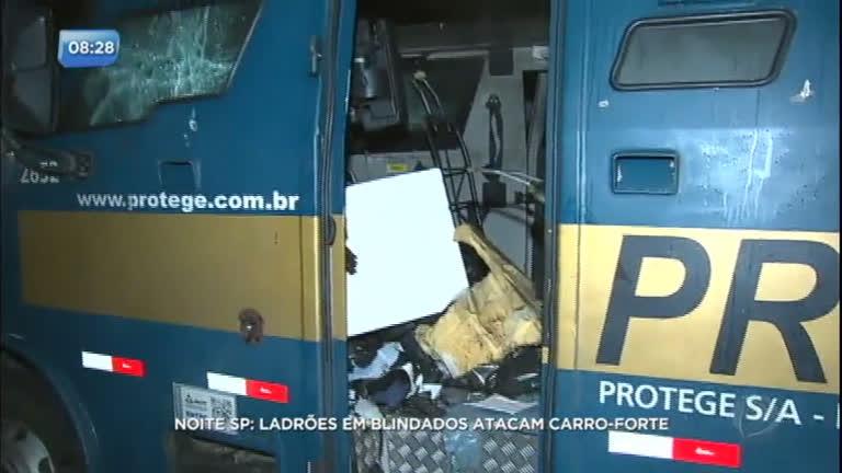Bandidos usam dinamite para explodir carro-forte
