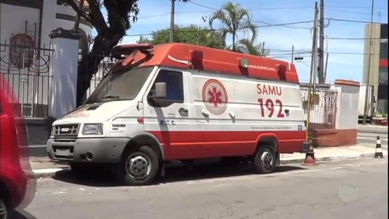 Ambulância do Samu fica por quatro anos abandonada nas ruas em São Paulo