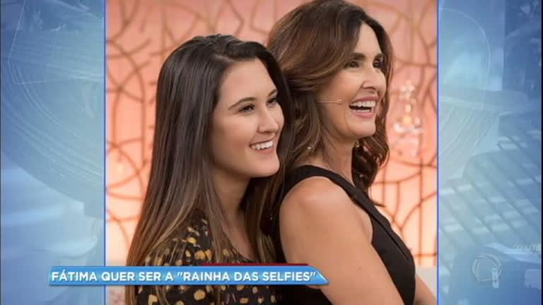 Hora da Venenosa: Fátima Bernardes faz 'curso de selfie' com a filha