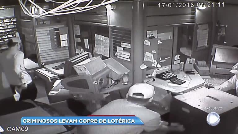 Criminosos levam cofre de lotérica