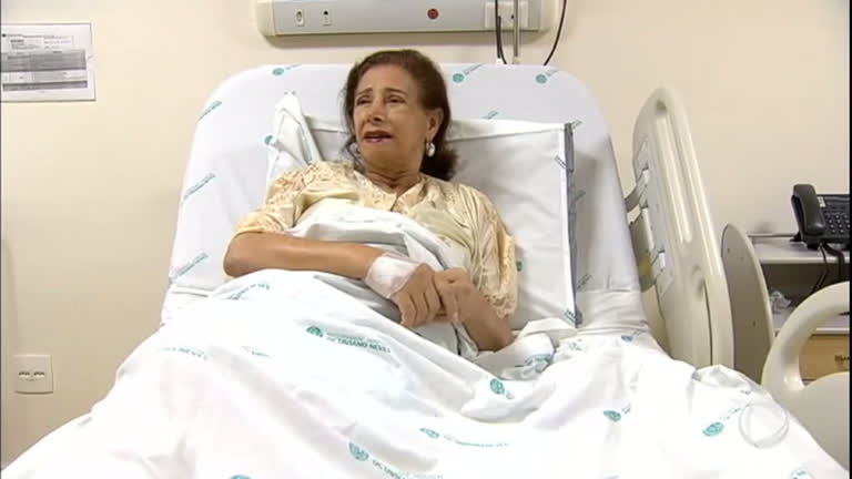 Resultado de imagem para mulher de 64 anos dá à luz