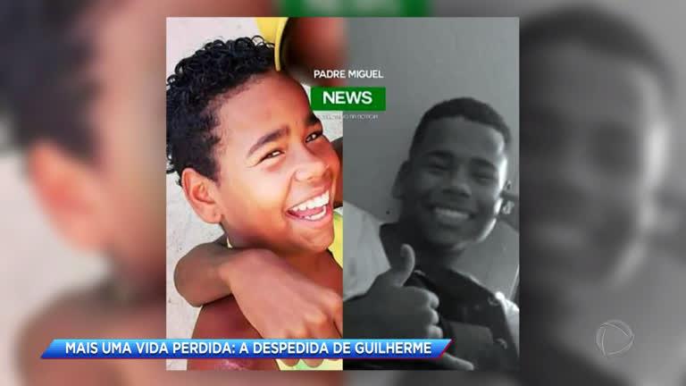 Corpo de adolescente morto após ser baleado na zona oeste do Rio é enterrado