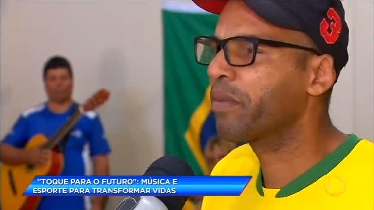 Projeto social leva música e esporte para jovens em Brasília (DF)
