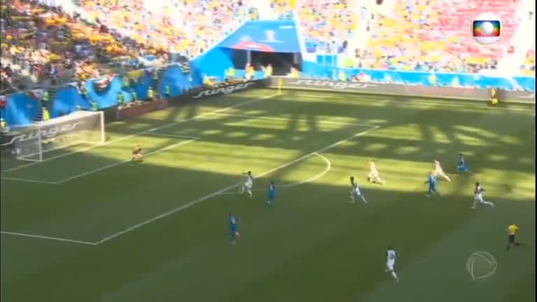 Jogo entre Brasil e Costa Rica é marcado por nervosismo