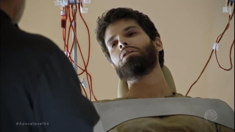 Stefano dá detalhes sobre a morte de Glória para convencer Vittorio a receber a marca
