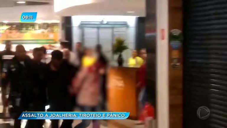 bbf29f03024 Assalto a joalheria e tiroteio assustam clientes de shopping na zona norte  do Rio - Rio de Janeiro - R7 RJ no Ar