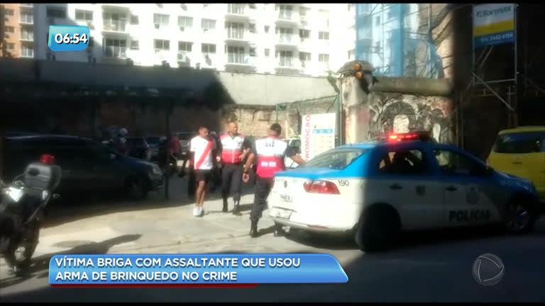 Homem é preso após vítima reagir a assalto a ônibus no centro do Rio