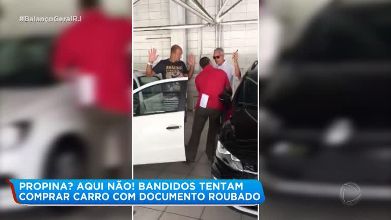 dcb294aad Suspeitos são presos ao tentarem comprar carro com documento falso no Rio
