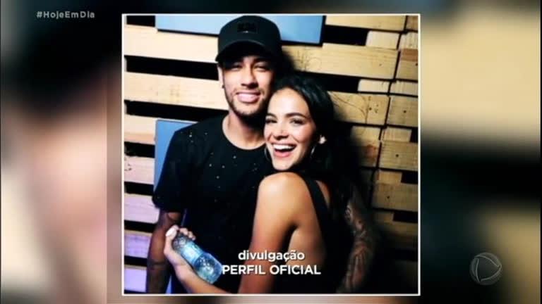 Bruna Marquezine e Neymar terminam o namoro