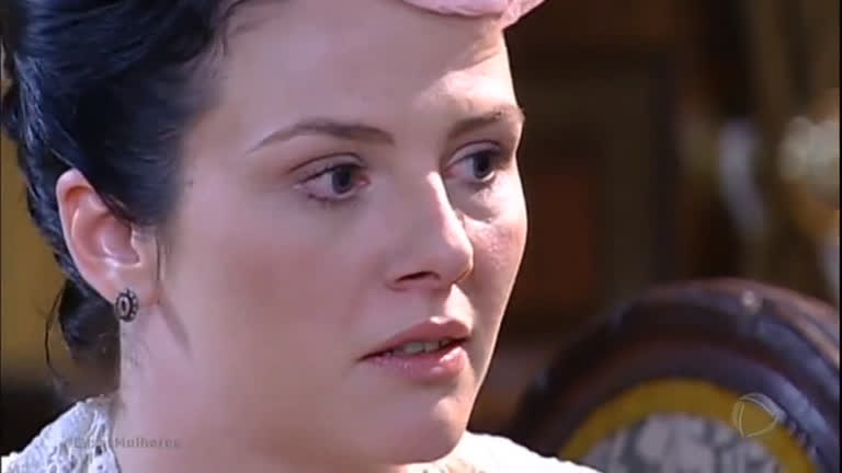 """Bela avisa Adelaide: """"Você não tem nenhuma chance com Fernando"""""""