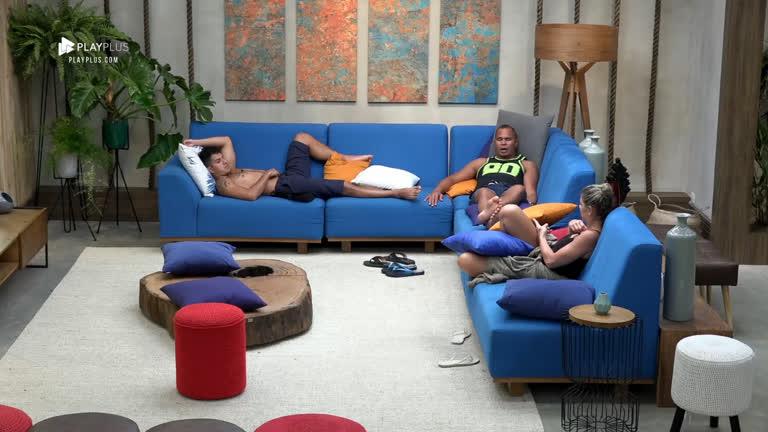 Catia, Felipe e Chulapa discordam de Gabi em briga com Fernanda
