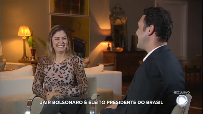 Resultado de imagem para Primeira-dama, Michelle Bolsonaro, dá entrevista exclusiva para a RecordTV -